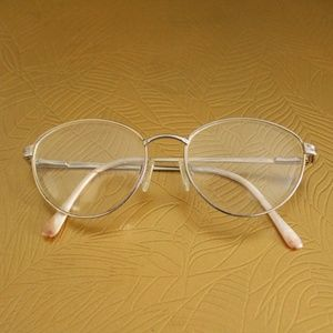 Vintage 80s Marchon Natural Beauty Gold Glasses